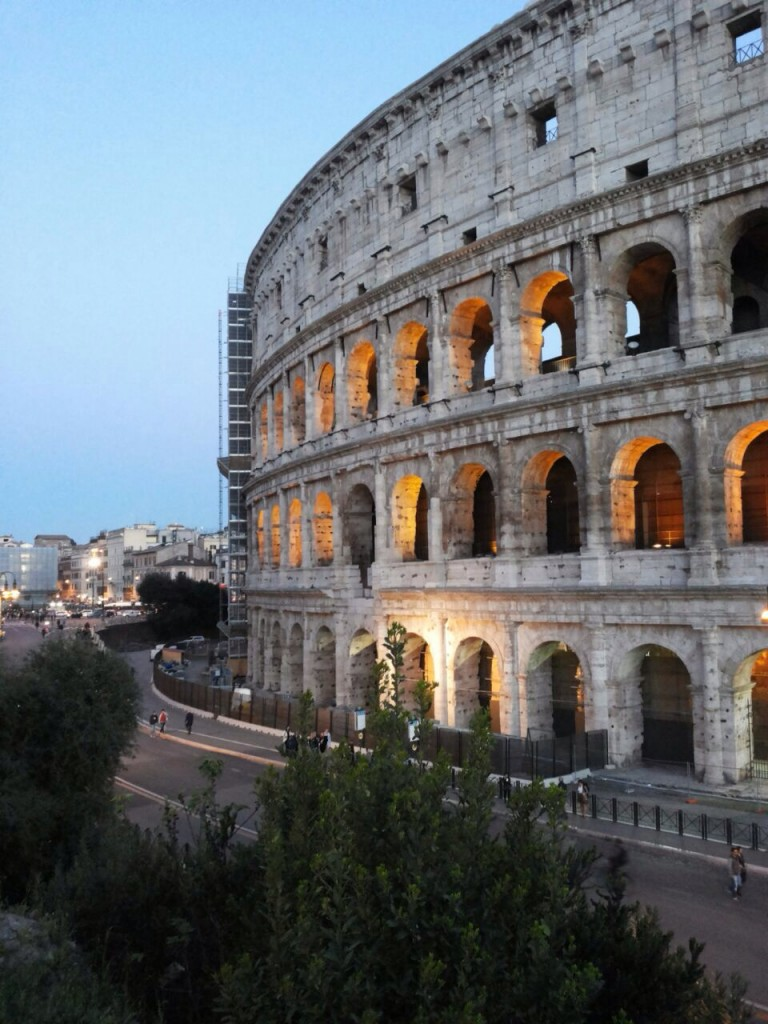 Colosseum mit Beleuchtung